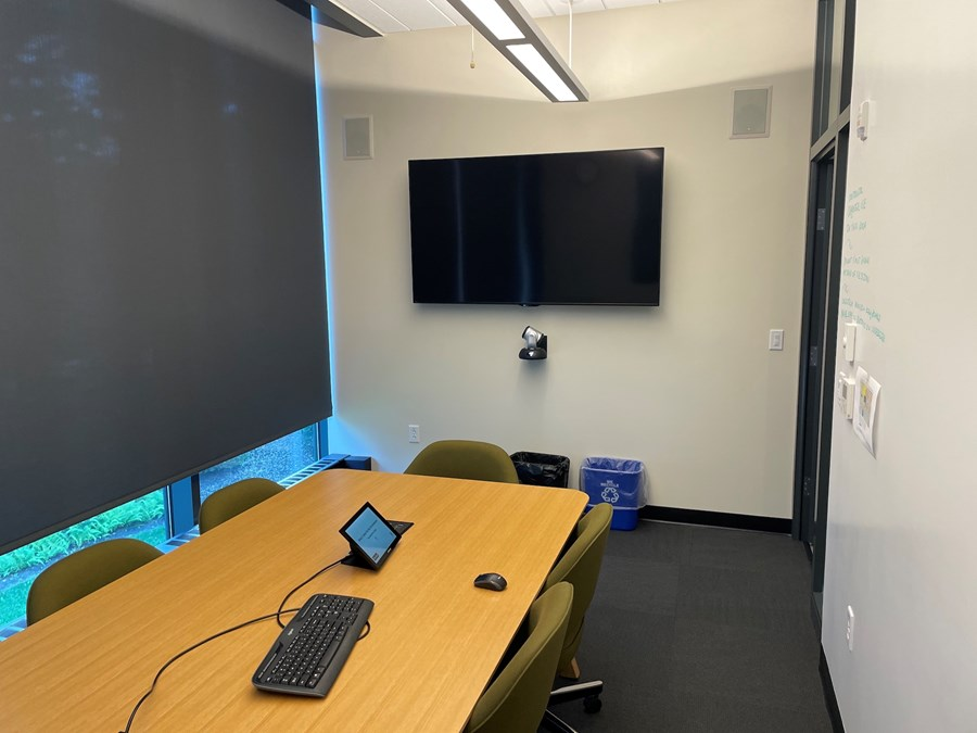 Roux 212. A view of the conference room.